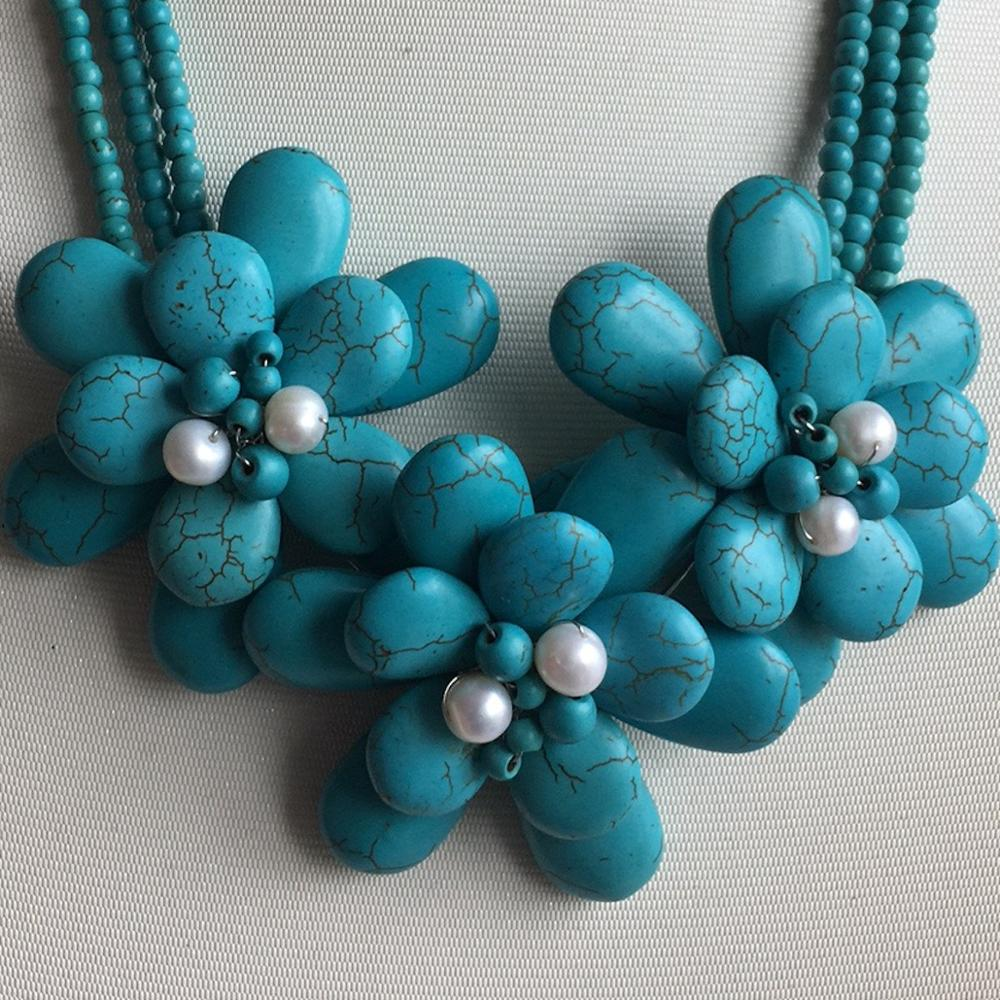Collier fleur perles blanches collier ras du cou