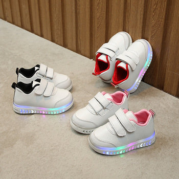 2018 spring new children leisure led girls luminescent sports baby luminous shoes boys glowing kids sneakers lights Spring Baby Children's Sports Light Shoes Boys Girls LED Luminous Shoes Colorful Lights Shoes White Shoes Kids Shoes for Girl