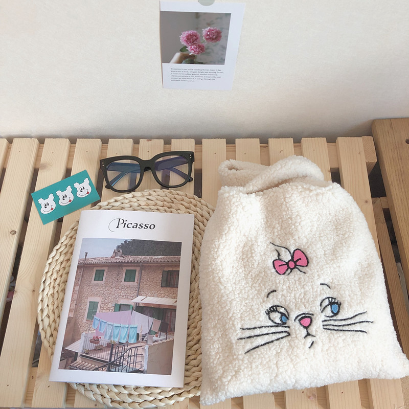 New Winter Handbags Plush Shoulder Bag Cute Cat Face Embroidery Hand Bag Women White Color Ladies Bag Women Tote Size 28*30cm