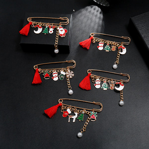 Fashion New Year Christmas Boots Brooches For Women Christmas Suit Pins Vintage Creative Gift Jewelry Coat Dress Accessories
