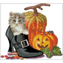 Котенок в обуви и Хэллоуин Тыква Счетный крест 11ct 14ct 18ct