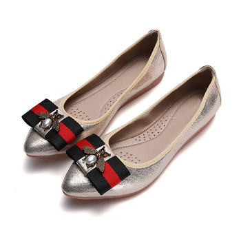 цены Large Size Women Flats Shoes Ballerina Loafers Female Slip On Bee Sweet Casual Party Moccasins Pointed Toe Shallow Single Shoes
