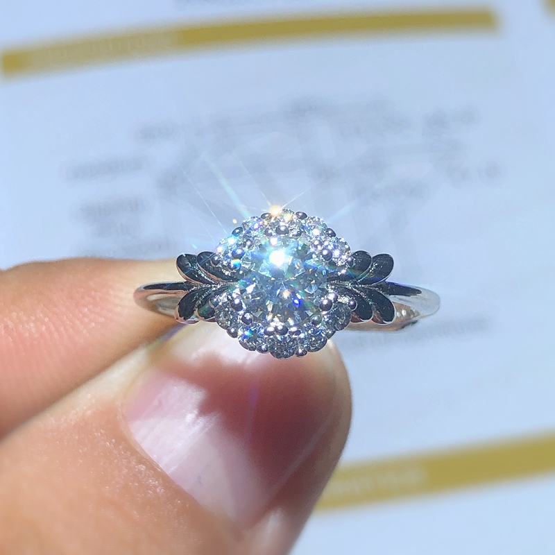 Bosses Recommend New Products To Promote Real Moissanite Ring Luxury Style 925 Silver 0.5 Carats