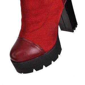Image 4 - Sgesvier 2020 여성 무릎 부츠 라운드 발가락 플랫폼 겨울 여성 신발 패치 워크 PU 무리 광장 발 뒤꿈치 긴 부츠 G743