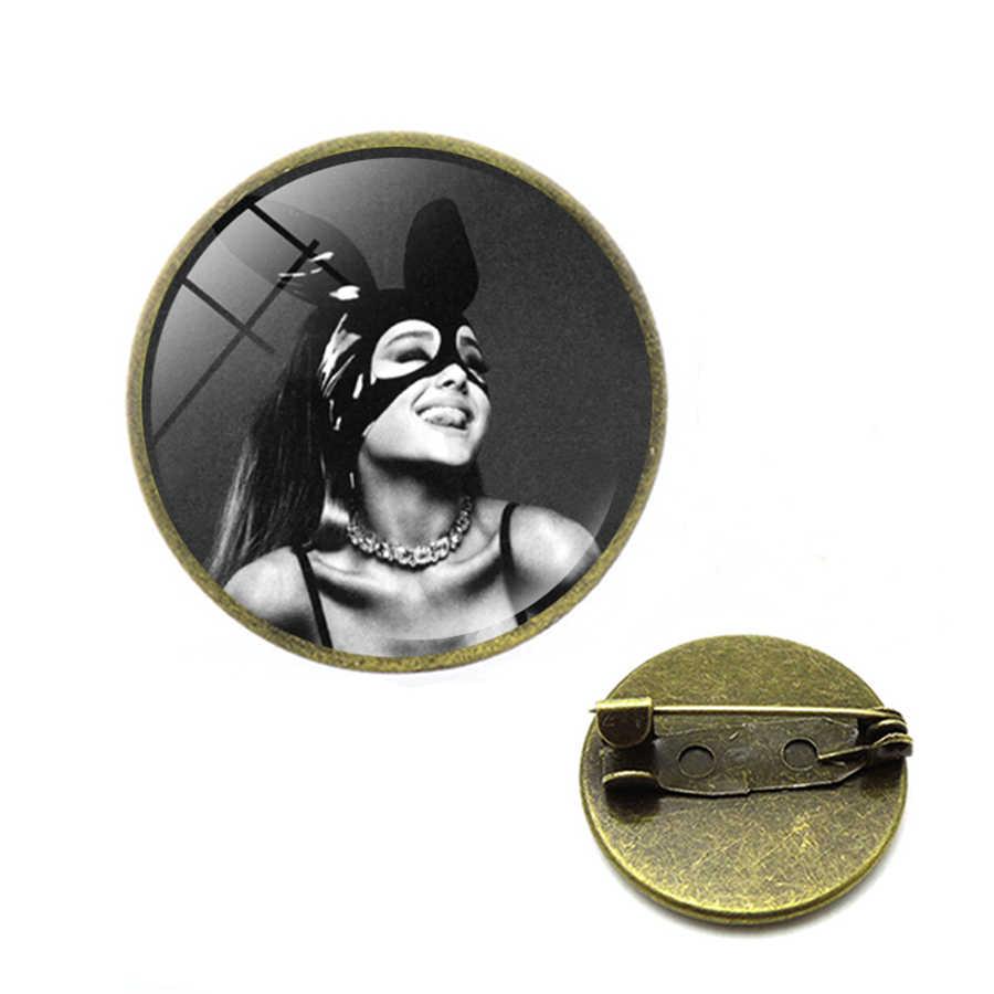 Ariana Grande Bros Penggemar Musik Souvenir Superstar Seni Poster Kaca Cabochon Ransel Pin Fashion Perhiasan