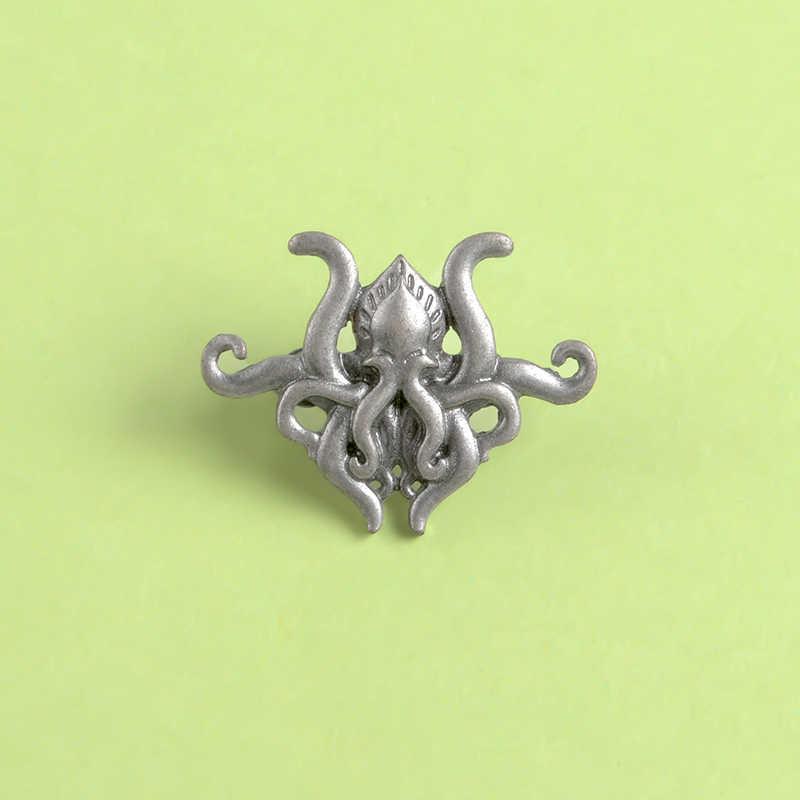 Octopus tentacles เกมนิยายโลหะ PIN H.P. Lovecraft Cthulhu Badge เข็มกลัด Pin Lapel เสื้อกระเป๋าเป้สะพายหลังหมวกของขวัญเครื่องประดับสำหรับแฟนๆ