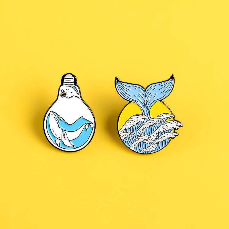 Uwięziony w żarówka wieloryb emalia pin piękne ogon wieloryba fala klapy szpilki odznaki pragnienie wolności broszki dla kobiet biżuteria