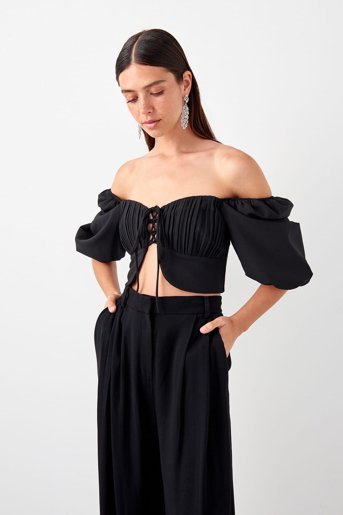 Trendyol Black Watermelon Sleeve Detail Bluz TPRSS19BB0567