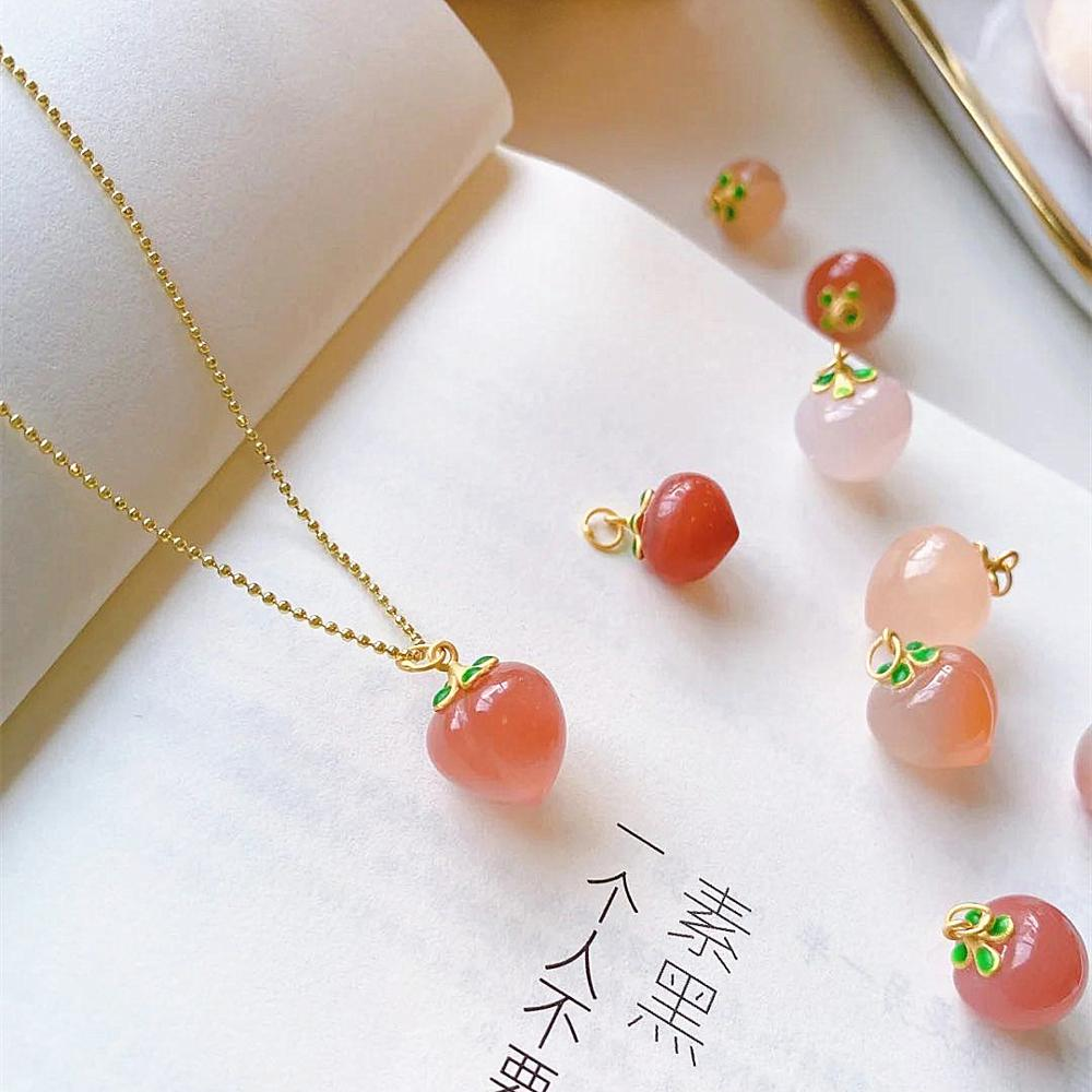 Natural Stone Quartz Red Peach Cherry Pendant Necklace For Woman Metal Chain Plated 14K Gold Necklace Choker Sweet Jewelry Girl