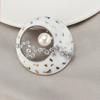 Fashion unique design craft shell crescent moon charm pearl pin brooch ornament jewelry accessories