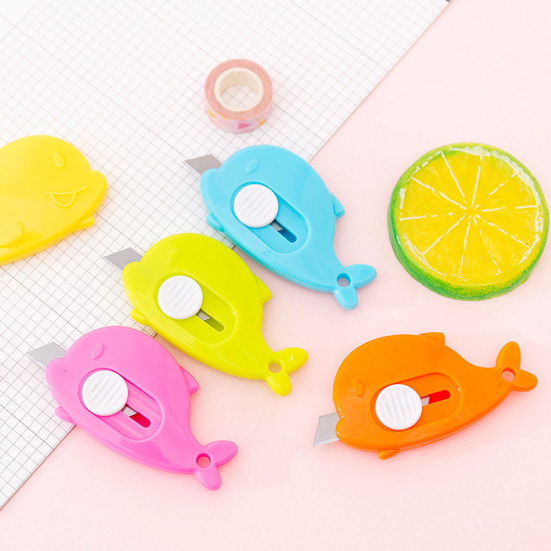Mini Whale Portable Utility Knife Cute Paper Cutter Cutting Paper Razor Blade Office School Supplies Stationery Gift Escolar