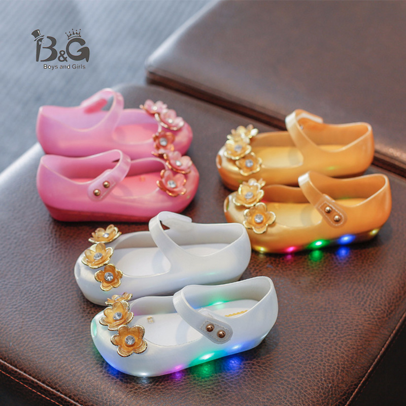 B&G Water-proof LED Light Girls Sandals Soft Flash Breathable Kids Beach Shoes Baby Sandals Jelly Peep-toe Princess Shoes