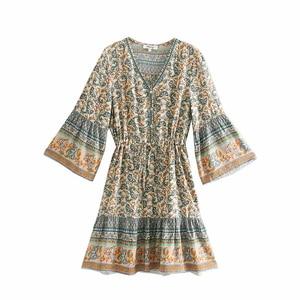 Image 2 - Vintage chic frauen hippie floral print quaste V ausschnitt Bohemian mini kleid Sommer damen flare hülse Boho kleider vestidos