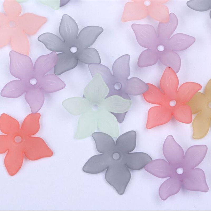 Купить с кэшбэком Fashion Acrylic Flower Loose Headdress DIY Plastic Beads For Jewelry Making Mix Color 22mm 100Pcs y1011