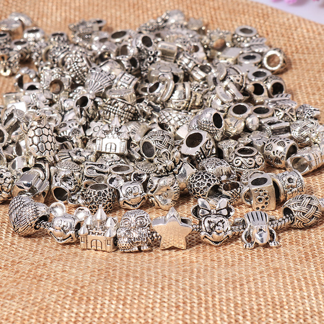 Large Sale Mixed Silver Color Alloy Charms Beads Fit Pandora Charms Bracelets Necklaces for Women More than 1000 Style by Random