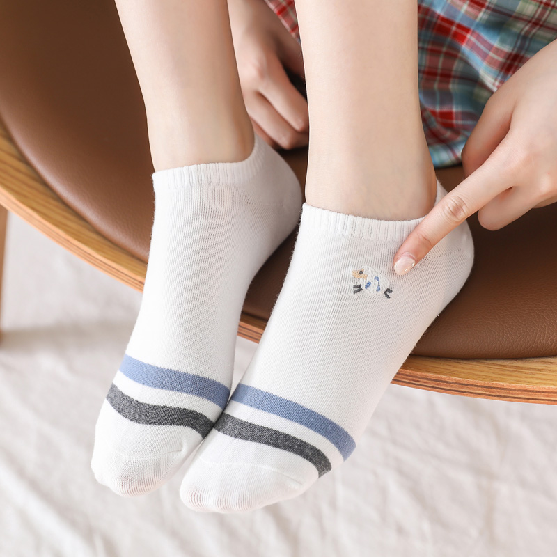 5 Pairs/Pack Kawaii Embroidered Pink Women Socks Expression Sheep Ankle Funny Socks Women Cotton EU Size 35-39 Dropshipping