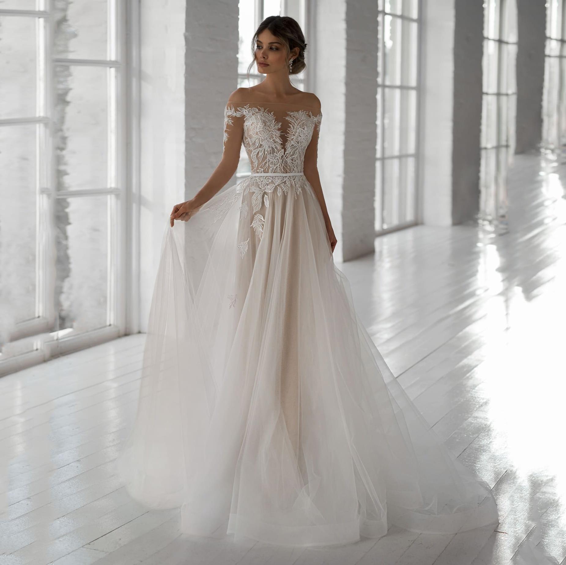 Elegant Champagne Wedding Dresses Long Sleeve Lace Applique A-line Bridal Gown