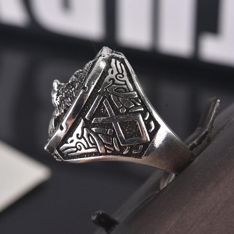 Vintage Wolf Totem Ring