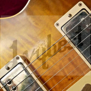 Electric-Guitar-Relic-Effect Whole-Guitar Customized Neck Body Headstock-Shape Mahogany-Body