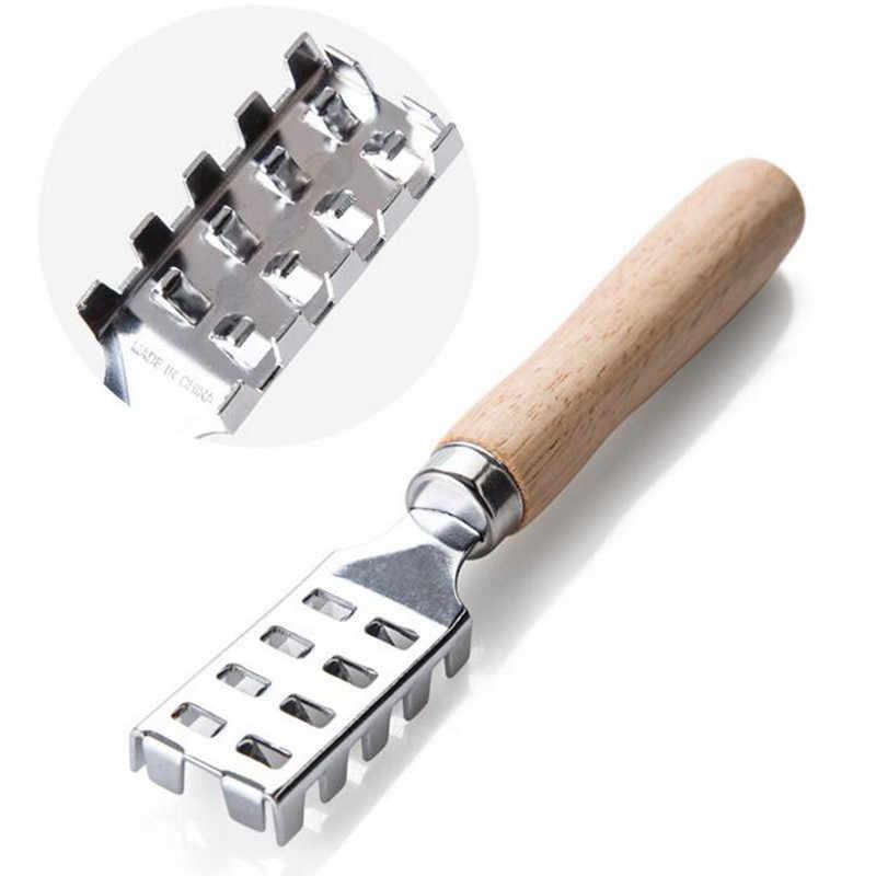 In Acciaio Inox di pesce raschiando scala rasoio con manico in legno per pulire il pesce coltello da Pesce Raschietto accessori da cucina strumento di frutti di mare