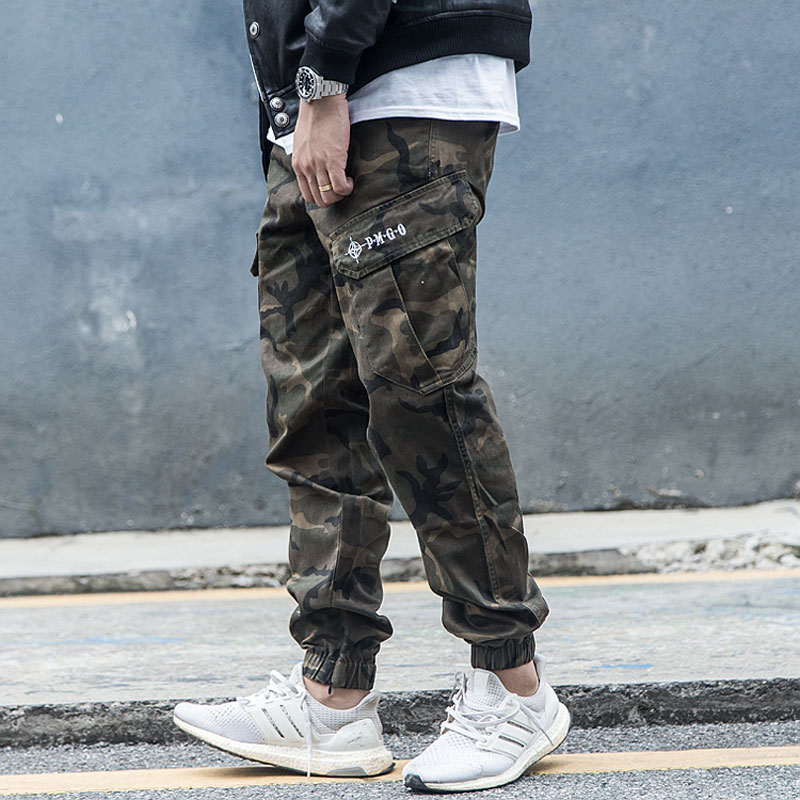 Fashion Streetwear Men Jeans Loose Fit Camouflage Military Trousers Big Pocket Cargo Pants High Quality Hip Hop Jogger Pants Men
