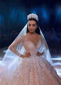 Image 4 - Arabisch Dubai Hochzeit Kleid 2020 Langarm Luxus Perlen Blumen Kathedrale Zug mariage Hochzeit Brautkleider robe de mariee