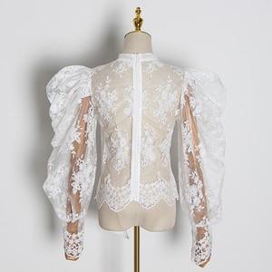 Image 2 - TWOTWINSTYLE hafty koronki damskie bluzki łuk kołnierz latarnia z długim rękawem perspektywy koszule kobiet 2020 modna odzież fala
