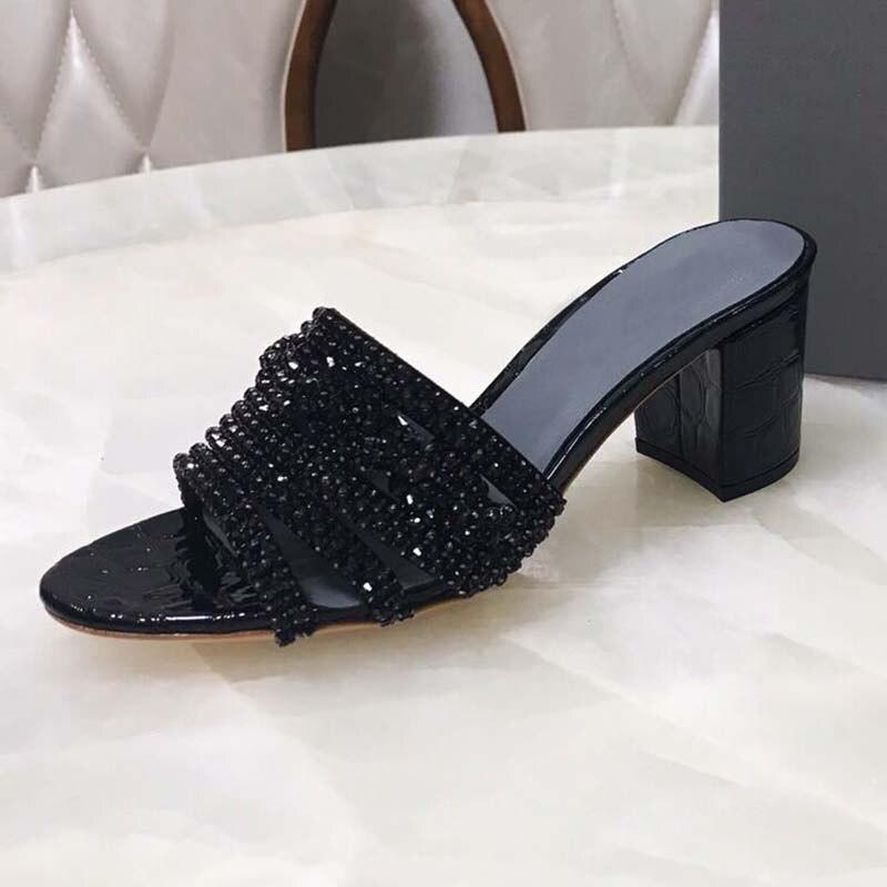 2019 luxus Design Strass Sandalen Frauen Offene spitze Kristall Perle Kette Chunky Hohe Ferse Schuhe Frau Pantoffel Sexy Hochzeit Schuh-in Hohe Absätze aus Schuhe bei  Gruppe 2