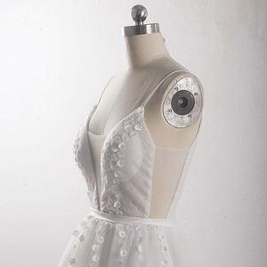 Image 5 - LZ400 parlak inciler küçük çiçekler düğün elbisesi v yaka kolsuz A Line gelin elbise peçe ile Vestido De Noiva