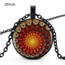 LIAOZEKUN.2019 / New Mandala Flower Retro Color Flower Bump Glass Pendant Men and Women Necklace Jewelry цены