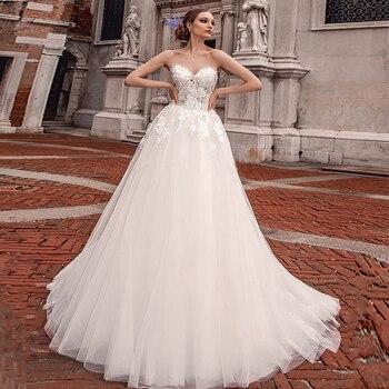 Vintage Sweetheart Neckline Lace applique A-line Wedding Dress 3D-flowers Tulle Zipper Sweep Tran Bridal Dress