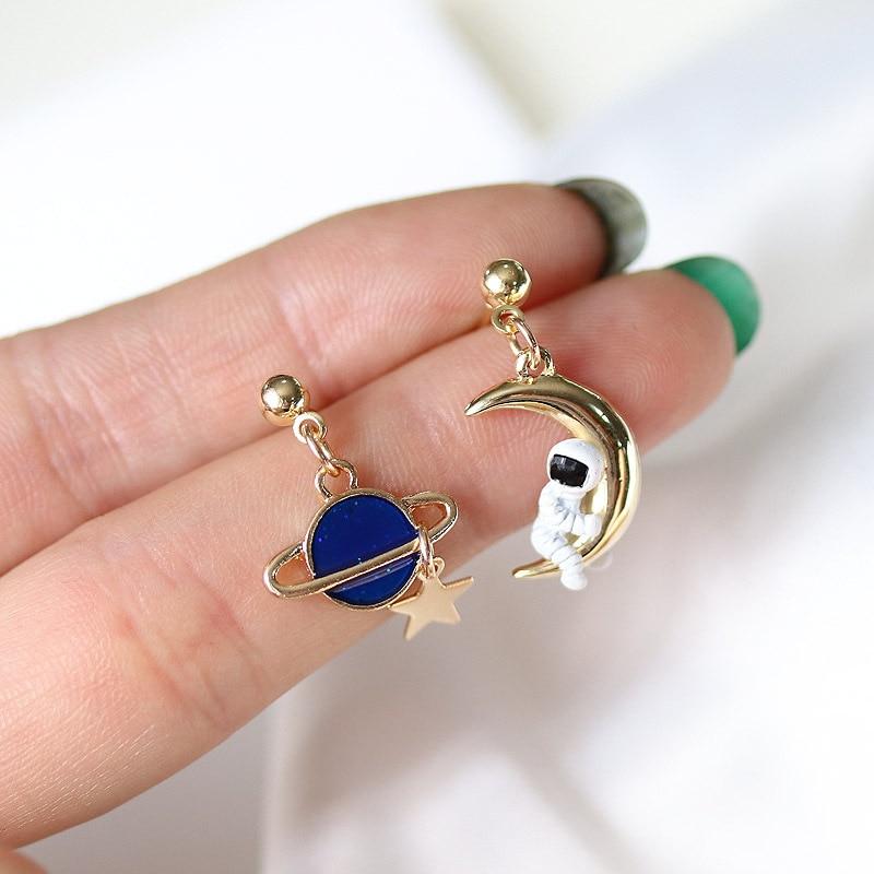 Creative Cute Design Universe Planet Star Astronaut Tassel Drop Earrings For Women Girls Hollow Circle Crystal Pendant Jewelry