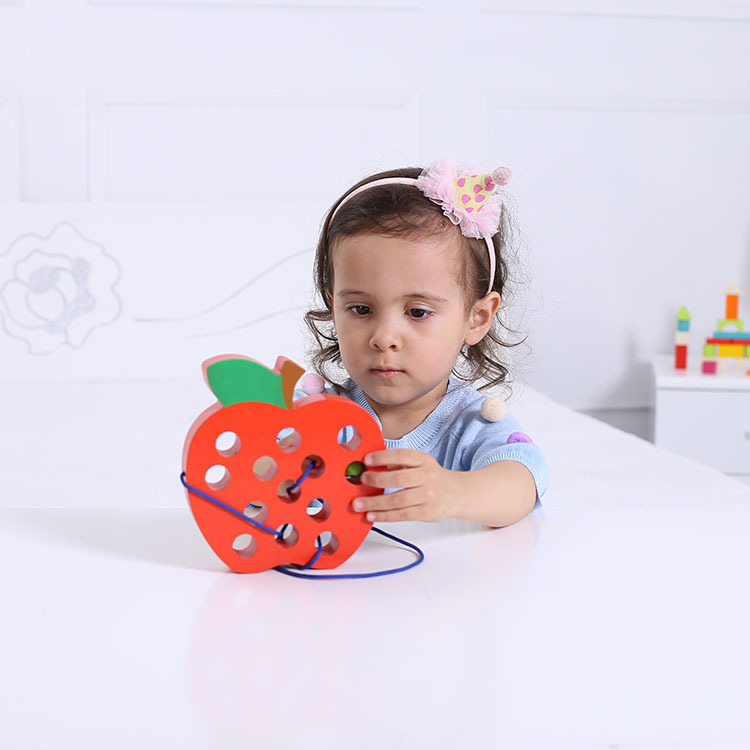 Worm Eating Apple Threading Hands-on Toy Infant Child Baby Early Childhood Educational Wooden Toys 1-2-3-4-Year-Old