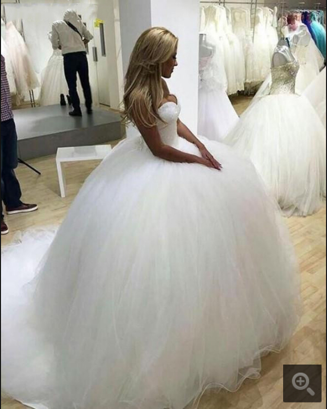 2019 Free Shipping Ball Gown White Princess Puffy Wedding Dress Heavily Beading Sequins Strapless Sweetheart Neck Bride Gowns
