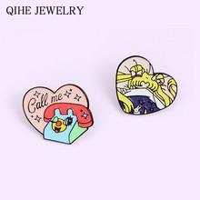 A llamar a mi chica Pines de esmalte de Anime de dibujos animados teléfono corazón Rosa broche de Pin para solapa con insignia joyería de moda regalo para amigo