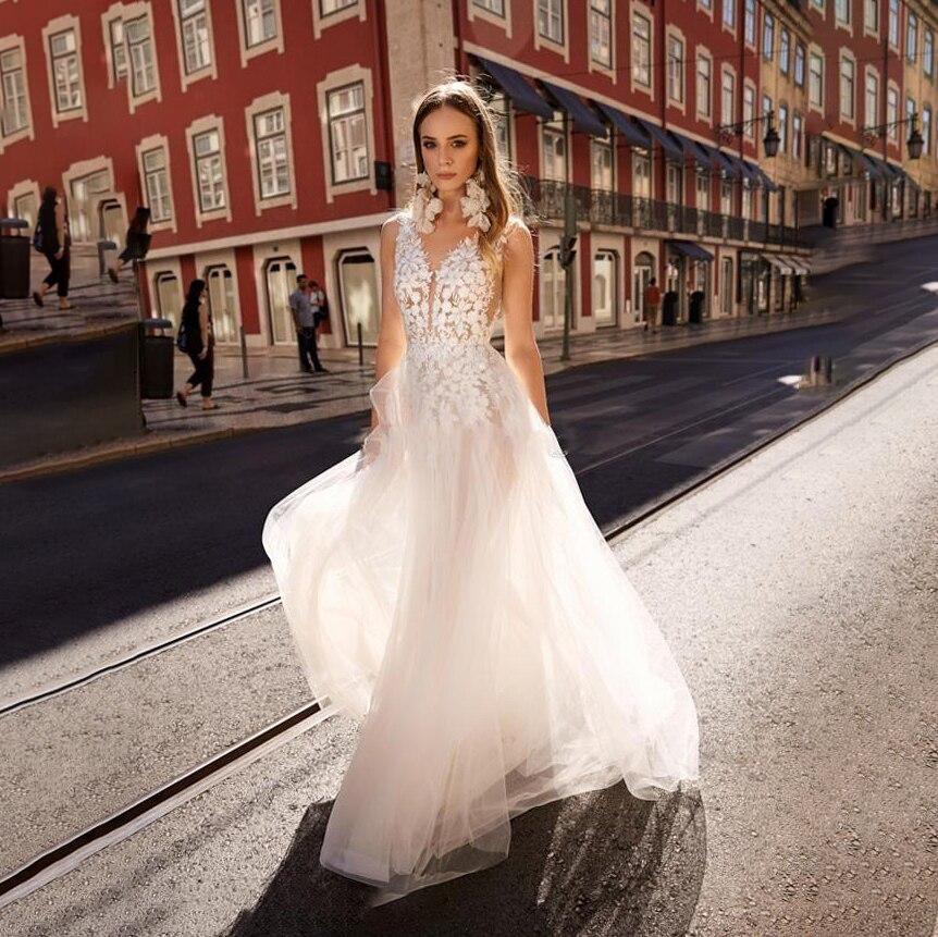 Boho Wedding Dresses 2020 Sexy Lace Appliques Backlesss Beach Bridals Gowns Tull Long Wedding Dress Custom Made Vestido De Novia