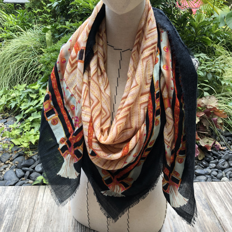 Vintage Plaid Scarf Women 100 Pure Cashmere Pashimina Brand Design Winter Soft Shawl Wraps 200 100cm Female Hijabs in Women 39 s Scarves from Apparel Accessories