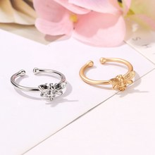 Korean Version Hot Sells Fashion Tiny Bee Mosaic White Crystal Ring Trendy Personality Open Animal Ring Valnetine'S Day Gift(China)