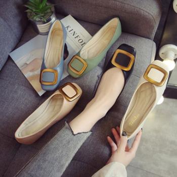 Płaskie buty damskie buty damskie na co dzień damskie buty sportowe damskie mały biały buty damskie płytkie usta buty łodzi tanie i dobre opinie FARQIFEALL RUBBER Slip-on Pasuje prawda na wymiar weź swój normalny rozmiar Metalu dekoracji Wiosna jesień Stałe Dla dorosłych