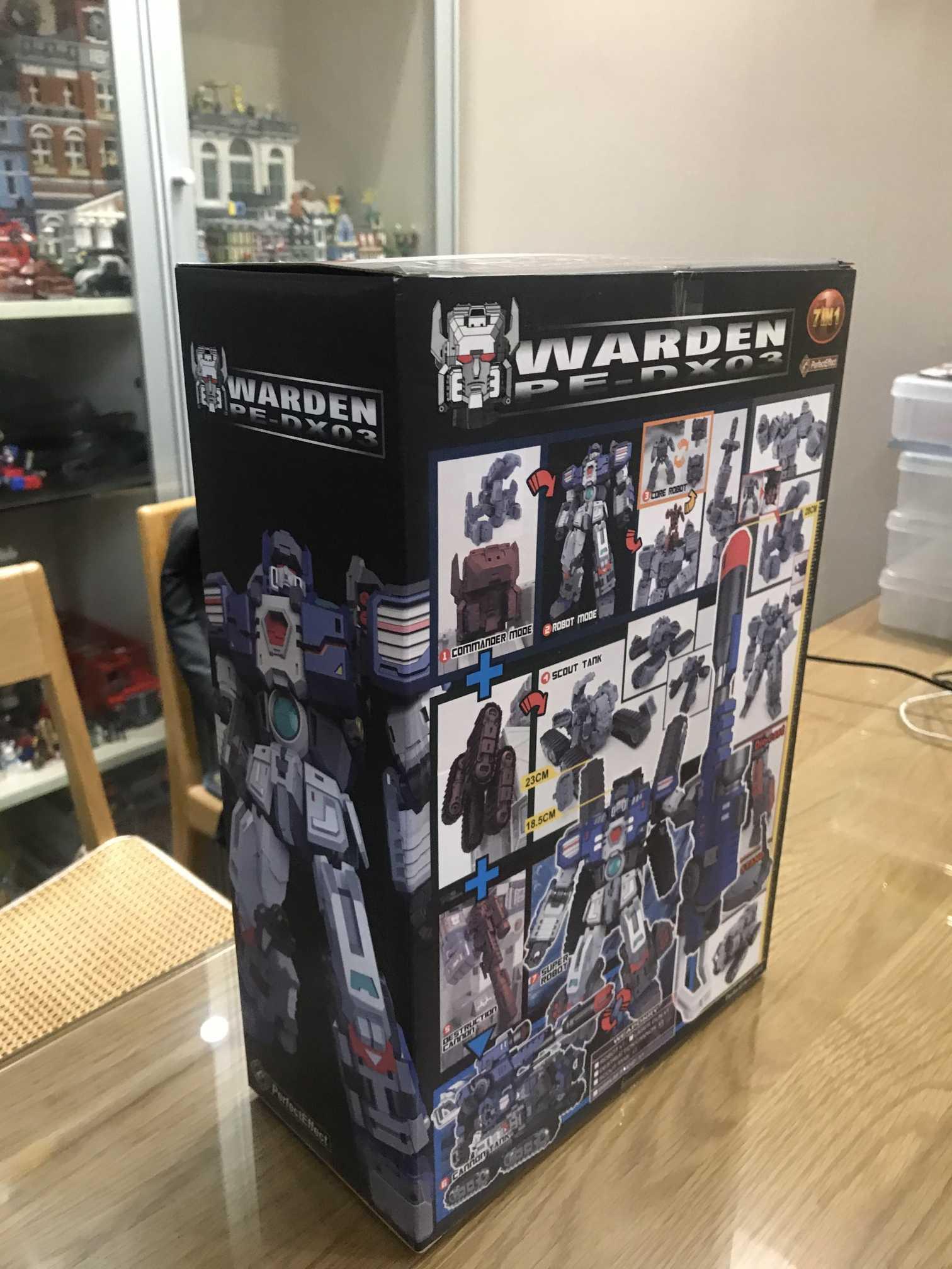 Transformacja doskonały efekt PE-DX03 Warden Fortress Maximus Vers zabawka w magazynie