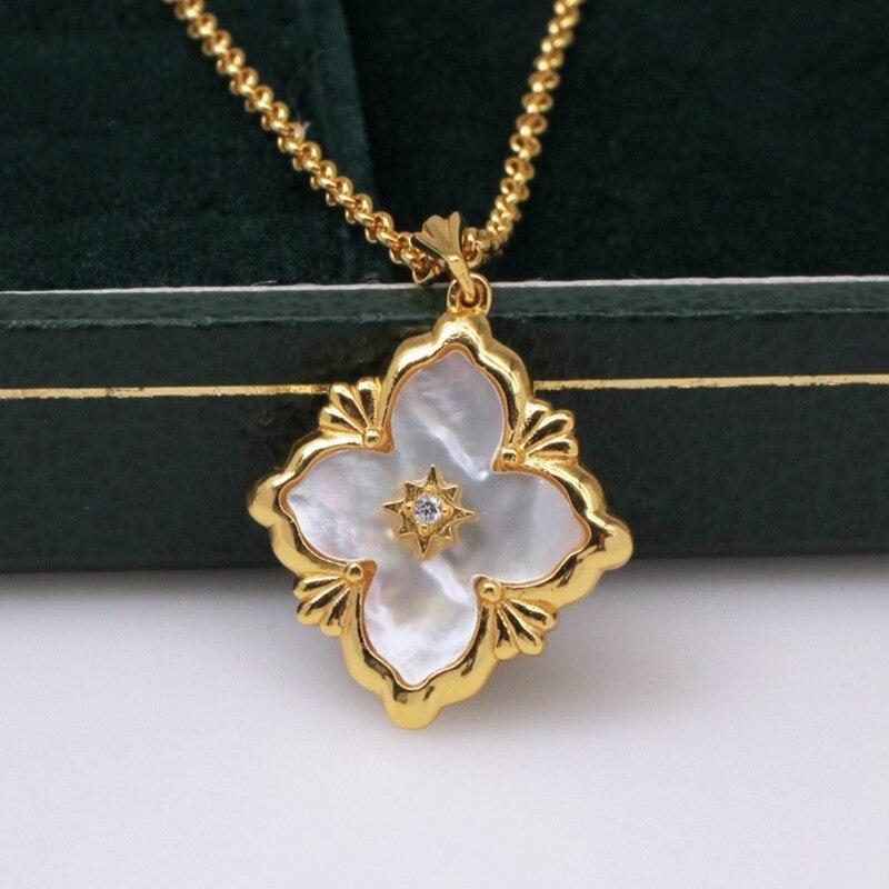 """Super Fashion Elegant /""""Four-leaf Clover/"""" Black Gold GP Pendant Necklace"""