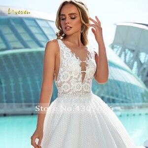 Image 4 - Loverxu Ingetogen V hals Baljurk Trouwjurken Applique Tank Mouwen Backless Bruid Jurk Hof Train Lace Bridal Gown Plus Size