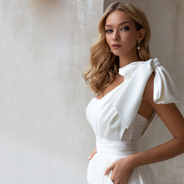 Sequined Jumpsuit Wedding Dresses 2021 One Shoulder Bow Sexy Short Pants Bridal Gown With Pockets Pleat Long Sweep Train 3