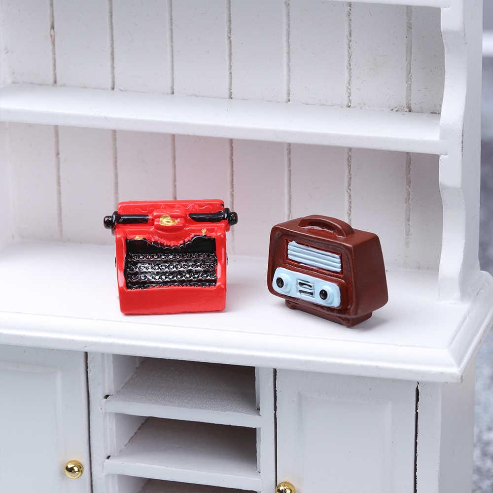 1 Pc Retro Mobili in Resina Figurine Mini Pianoforti Telefono Tv Modello Antico Artigianato Giocattolo Delle Bambole Ornamenti Decorazione Della Casa
