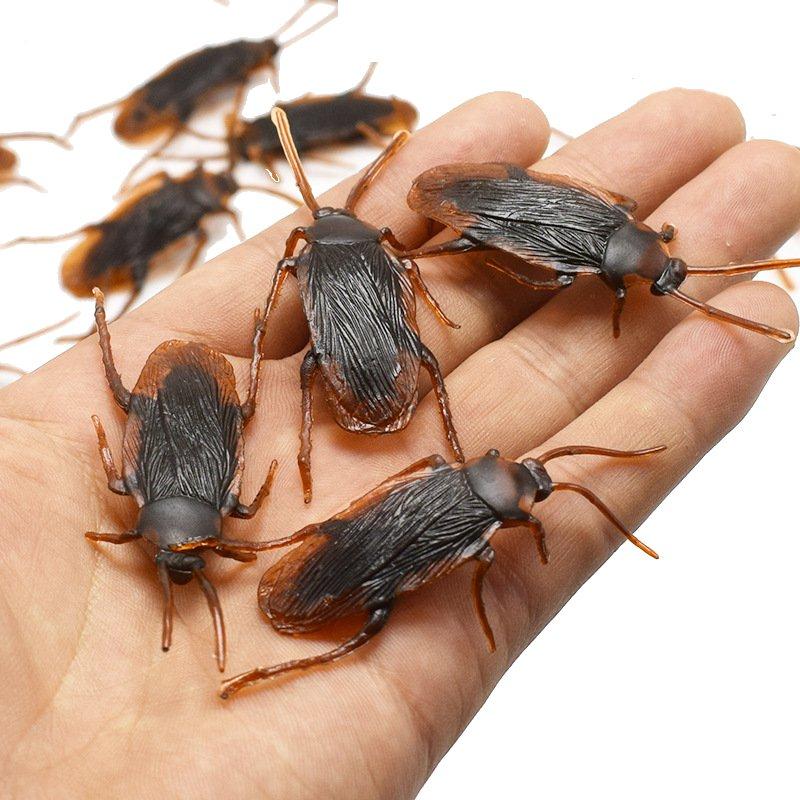 10Pcs Funny Toys Fake Cockroach Flies Centipede Halloween Decoration Joke Prank Maker Fun Novelty Simulation False Cockroach Toy
