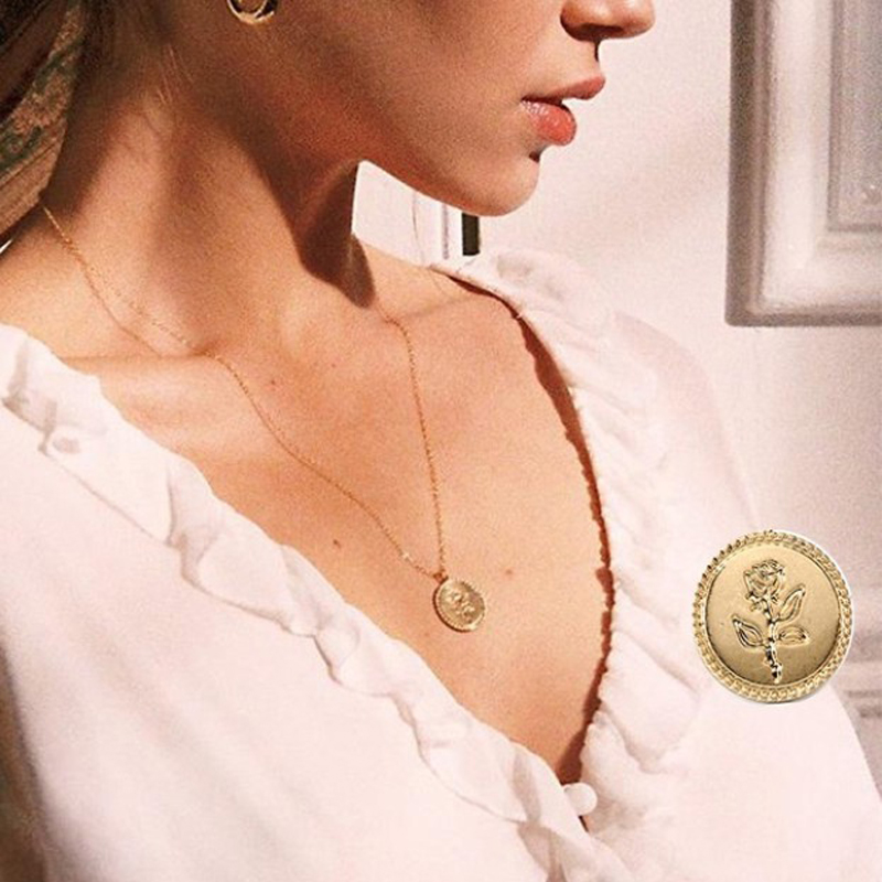 Wholesale Fashion Wild&Free Alloy Round Pendant Necklace for Women Simple Female Long Chain Coin Necklace Rose Flower Collier