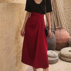 Image 5 - Twotwinstyle assimétrico do vintage lado divisão saias para o sexo feminino de cintura alta irregular ruched saia feminina moda 2020 roupas maré
