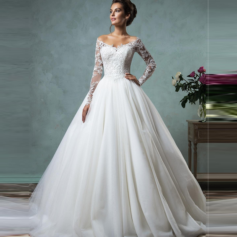 2016 Cheap Lace Wedding Dresses Long Sleeve Fall Winter Bridal Gowns Plus Size Sexy Vintage V Neck Arabic Sheer Tulle Dress