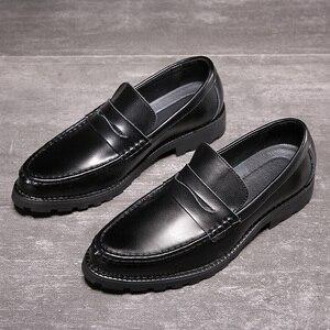 Image 5 - 2020 vestido de couro genuíno sapatos masculinos deslizamento on negócios casamento formal sapatos planos para homem