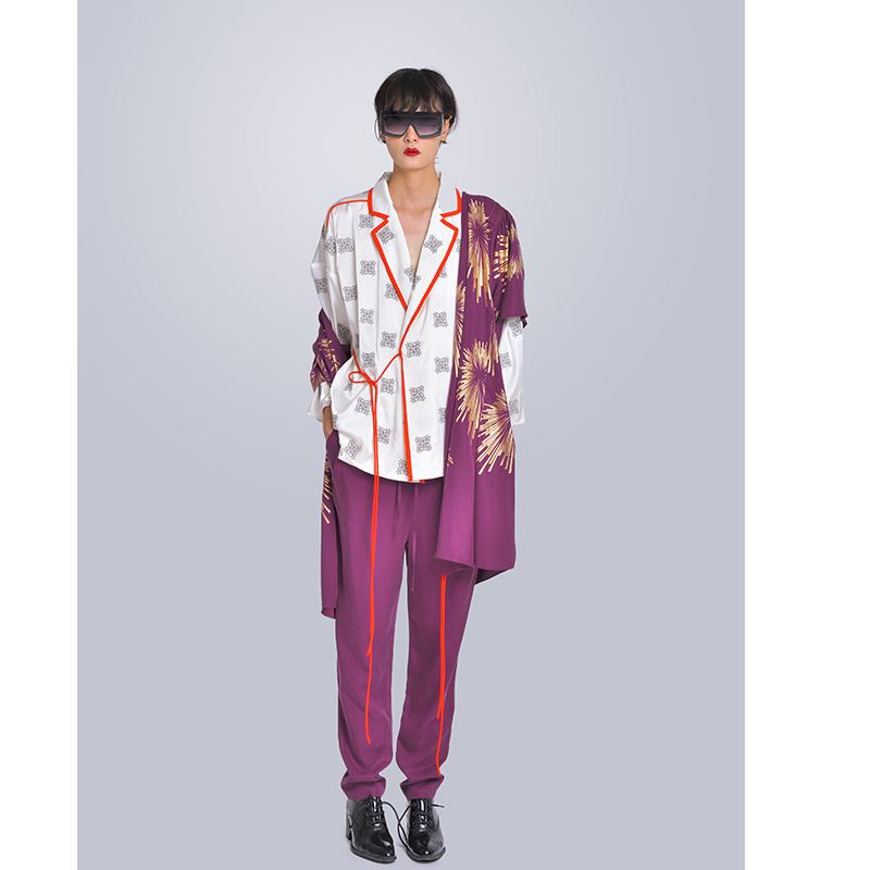 MISHOW Milan Fashion Week Spring/Summer 2020 Female Three Piece Set Turn-down Collar Print Top Purple Coat And Pant Look-5